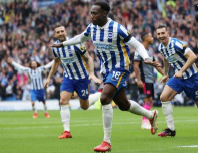 Brighton heats up, Welbeck heads the Foxes 2-1